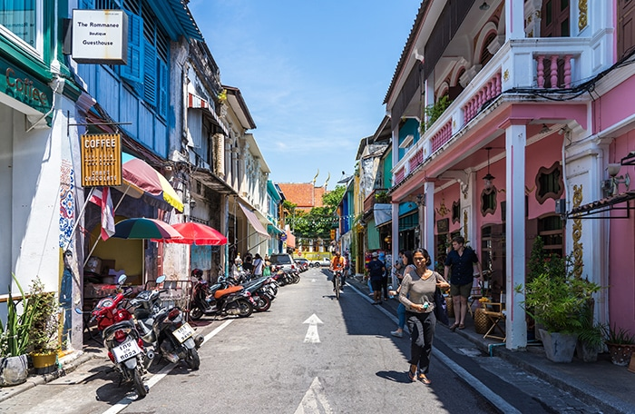Wandering the colourful streets of Phuket Old Town, (Phuket backpacking guide, budget Phuket, Phuket backpacker, Backpackers guide to Phuket, Phuket backpacker hostel, Best area to stay in Phuket, backpacking Thailand)