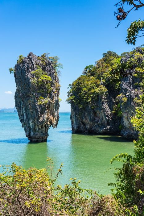 The impressive James bond Island on a tour from Phuket, (Phuket backpacking guide, budget Phuket, Phuket backpacker, Backpackers guide to Phuket, Phuket backpacker hostel, Best area to stay in Phuket, backpacking Thailand)