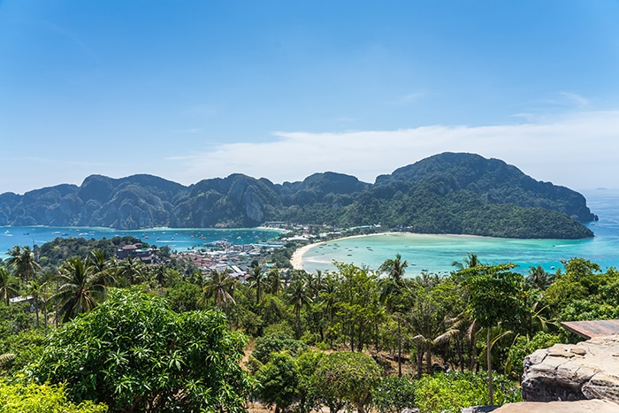 The main viewpoint on Phi Phi Don island, (Phuket backpacking guide, budget Phuket, Phuket backpacker, Backpackers guide to Phuket, Phuket backpacker hostel, Best area to stay in Phuket, backpacking Thailand)