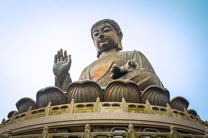 The big buddha on Lantau Island, Backpacking in Hong Kong for backpackers, Backpackers guide to Hong Kong, Hong Kong on a budget trip