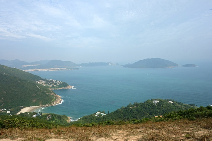 The view over big wave beach on Hong kong island, Backpacking in Hong Kong for backpackers, Backpackers guide to Hong Kong, Hong Kong on a budget trip