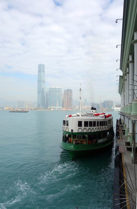 The star ferry with Kowloon in the background, Backpacking in Hong Kong for backpackers, Backpackers guide to Hong Kong, Hong Kong on a budget trip