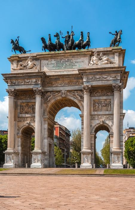 Victory arch in Milan, (Milan 2 days, Two days in Milan, Milan in 2 days, What to do in Milan for 2 days, 2 days in Milan, 2 days in Milan itinerary, Milan itinerary 2 days, Milan city break, A weekend in Milan, How many days in Milan)