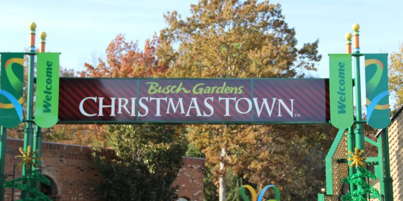 Williamsburg Christmas Town Busch Gardens.Busch Gardens Williamsburg Christmas Town The Roarbots
