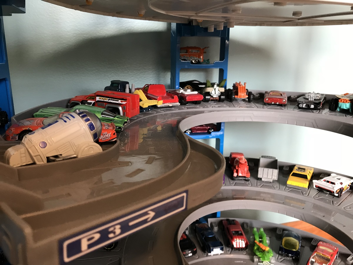 Hot Wheels Super Ultimate Garage The Roarbots