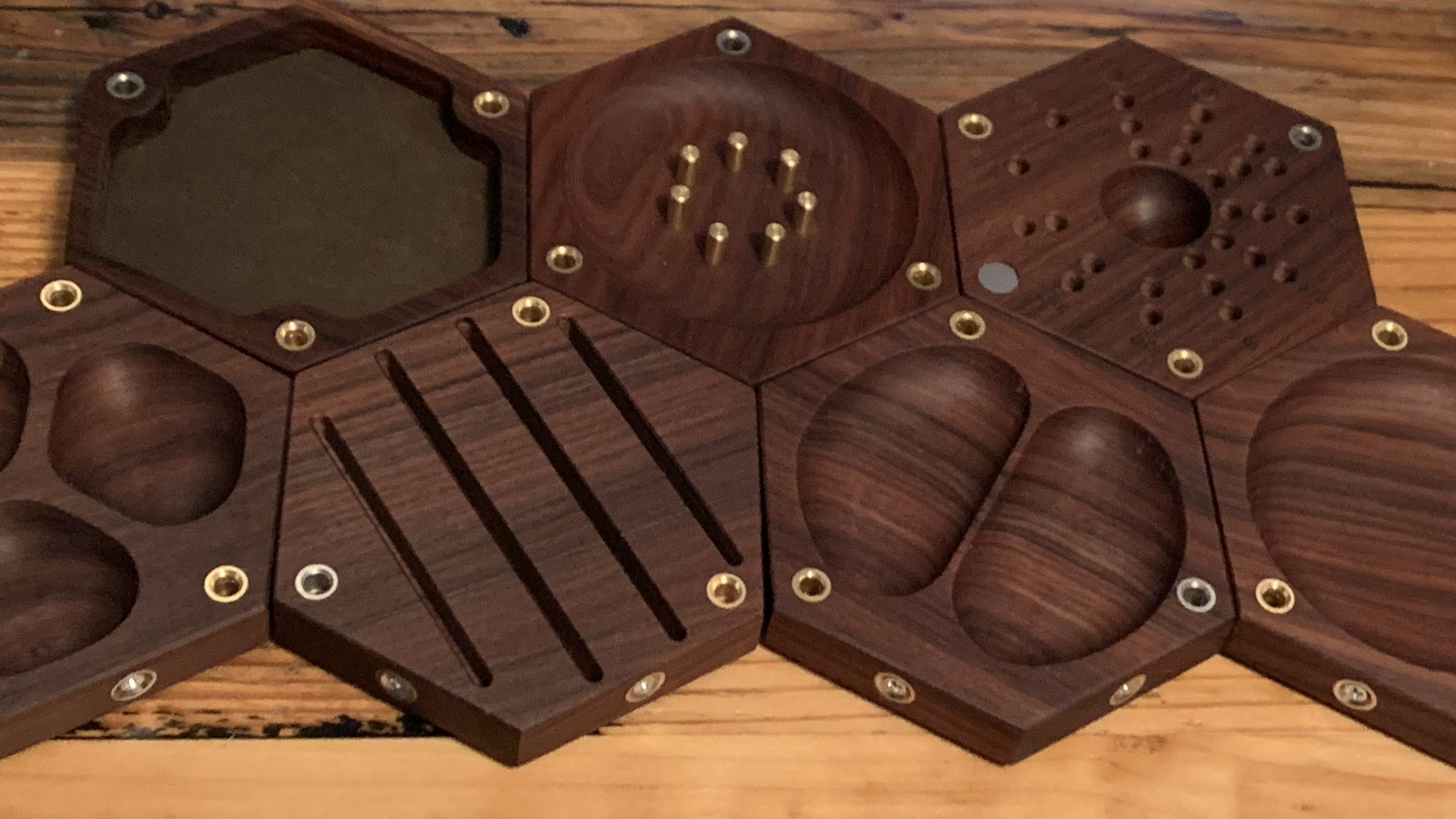 Wyrmwood Gaming Brings Tabletop Tiles to Kickstarter to Fix