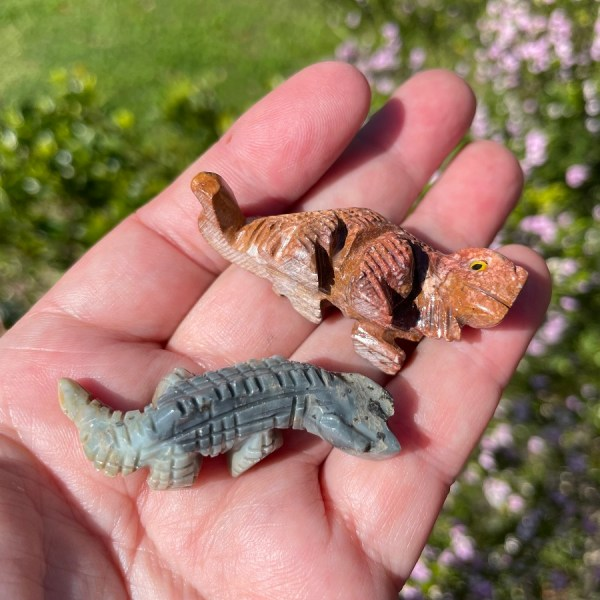 crystal iguana in Dolomite from Peru
