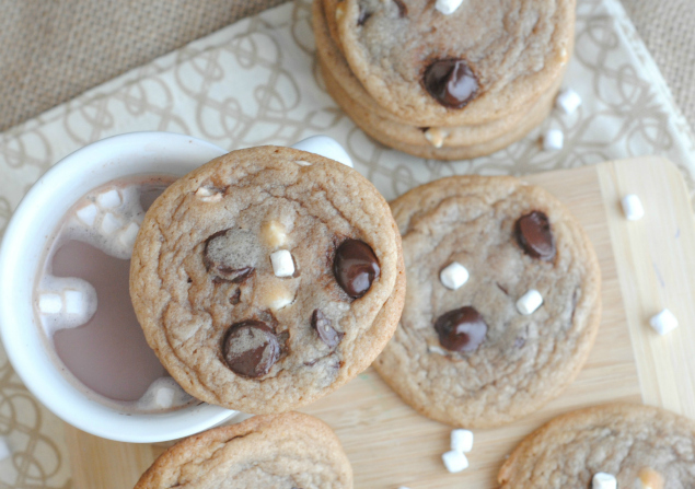 Hot Cocoa Cookies - Cookies and hot chocolate