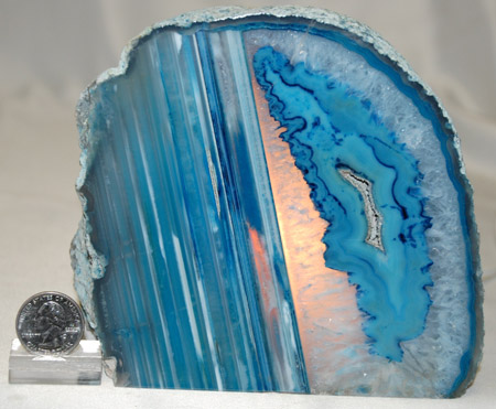 Image of agate lamp with cut base