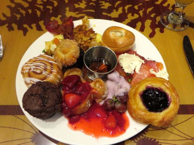 Storytellers Cafe Disneyland Dining Review | The Rose Table