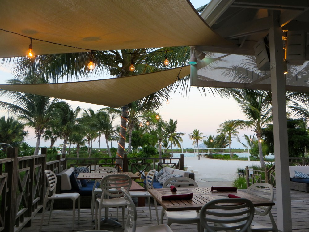 Salt Bar and Grill at Blue Haven Resort Review | The Rose Table