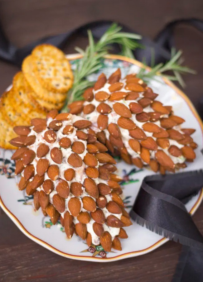 Pine Cone Cheeseball for Christmas party
