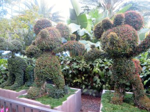 Disneyland Hotel Review | The Rose Table
