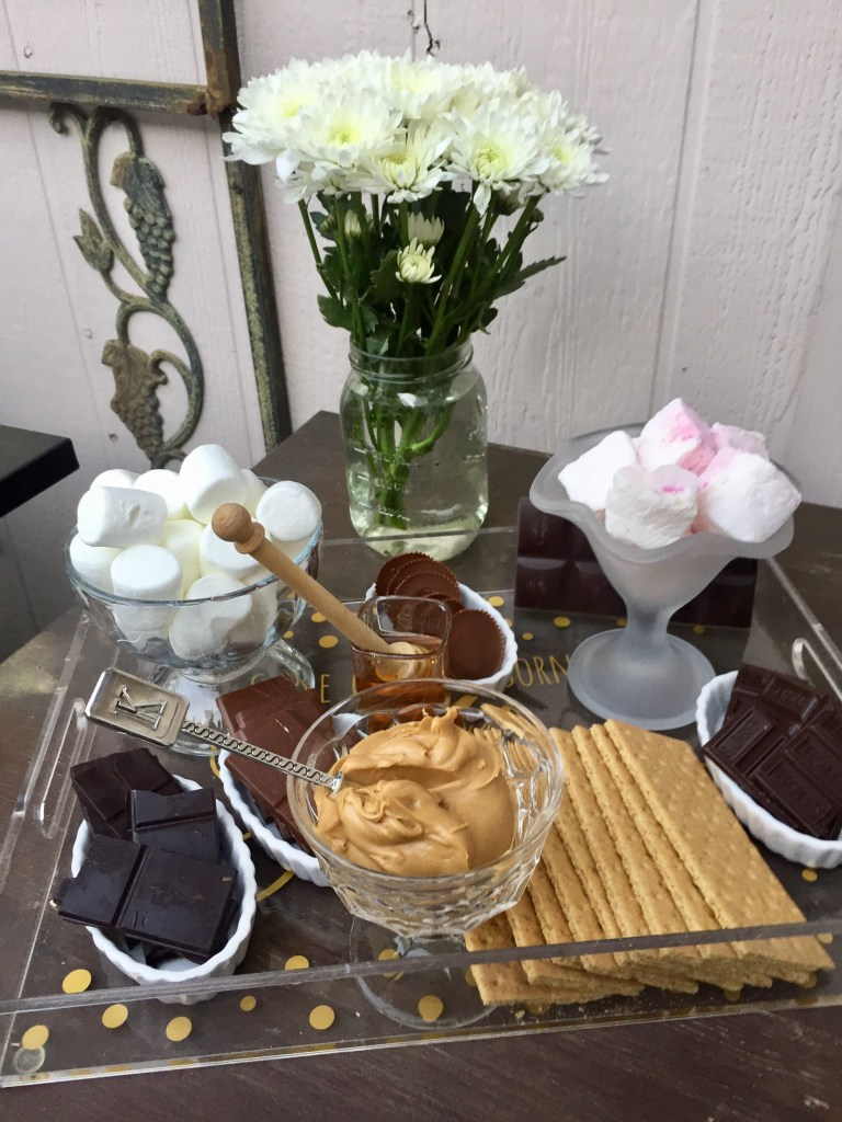 How to Build a S'mores Bar | The Rose Table