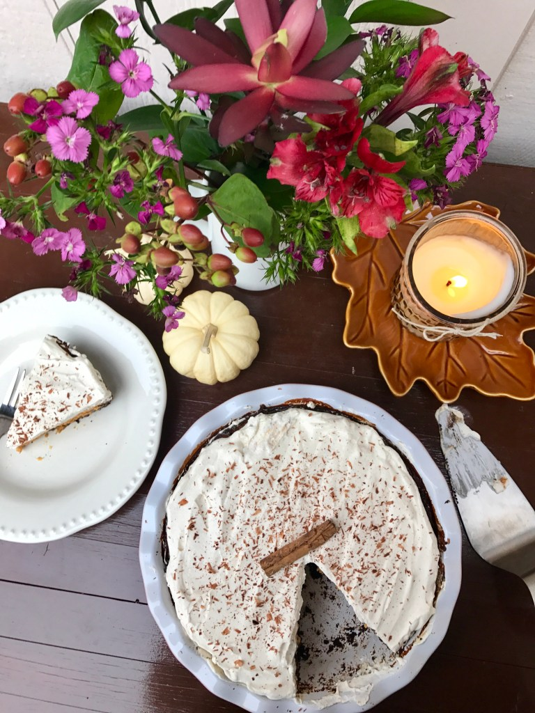 Pumpkin Oreo Pie with Cinnamon Whipped Cream | The Rose Table