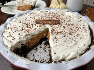 Pumpkin Oreo Pie withCinnamon Whipped Cream | The Rose Table