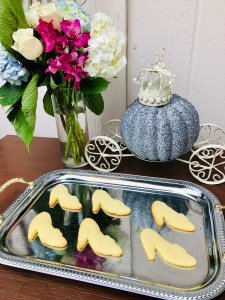Glass Slipper Cookies   The Rose Table