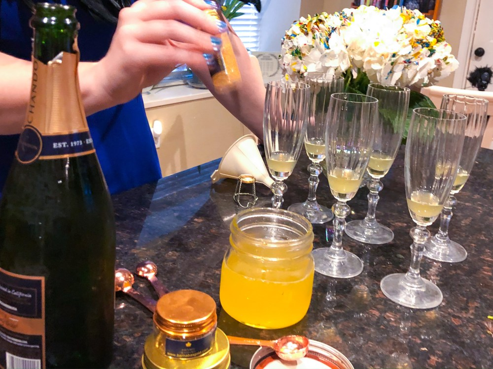 Royal Champagne, Edible Gold Leaf Drink Recipe