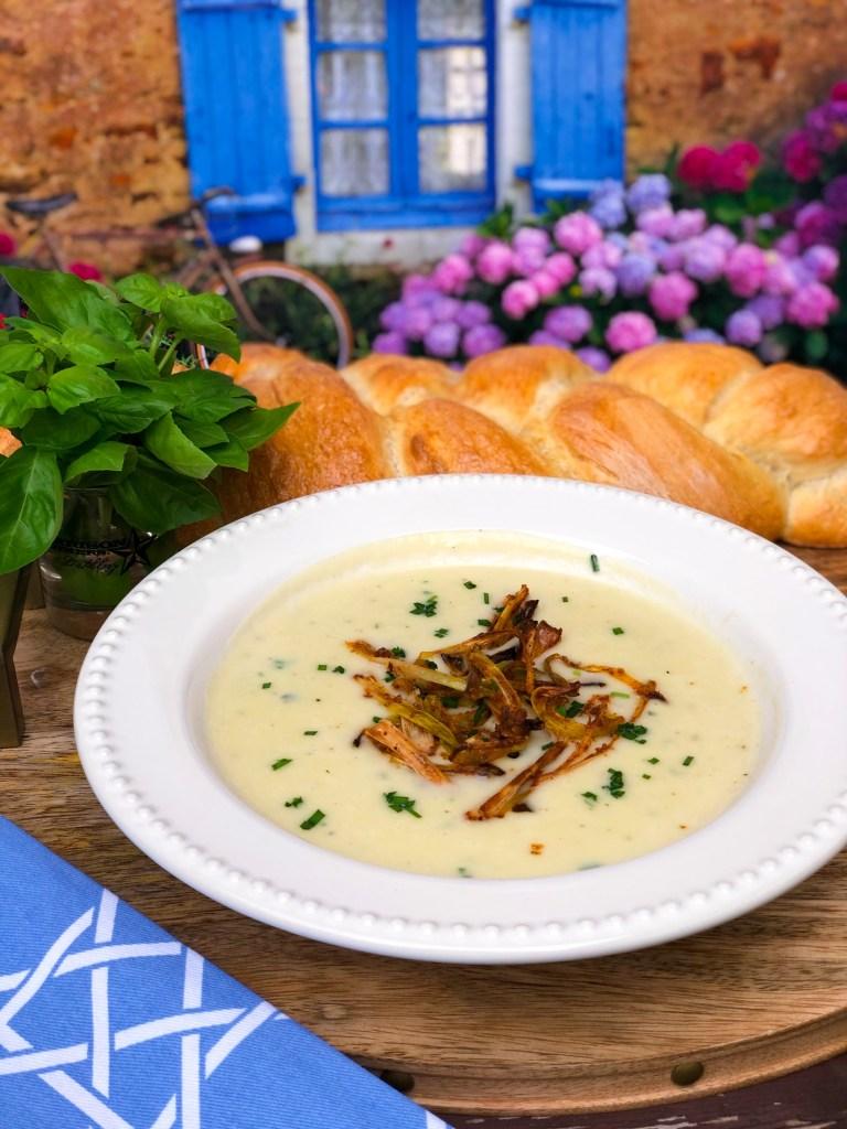 Best Potato Leek Soup Recipe with Crispy Leeks