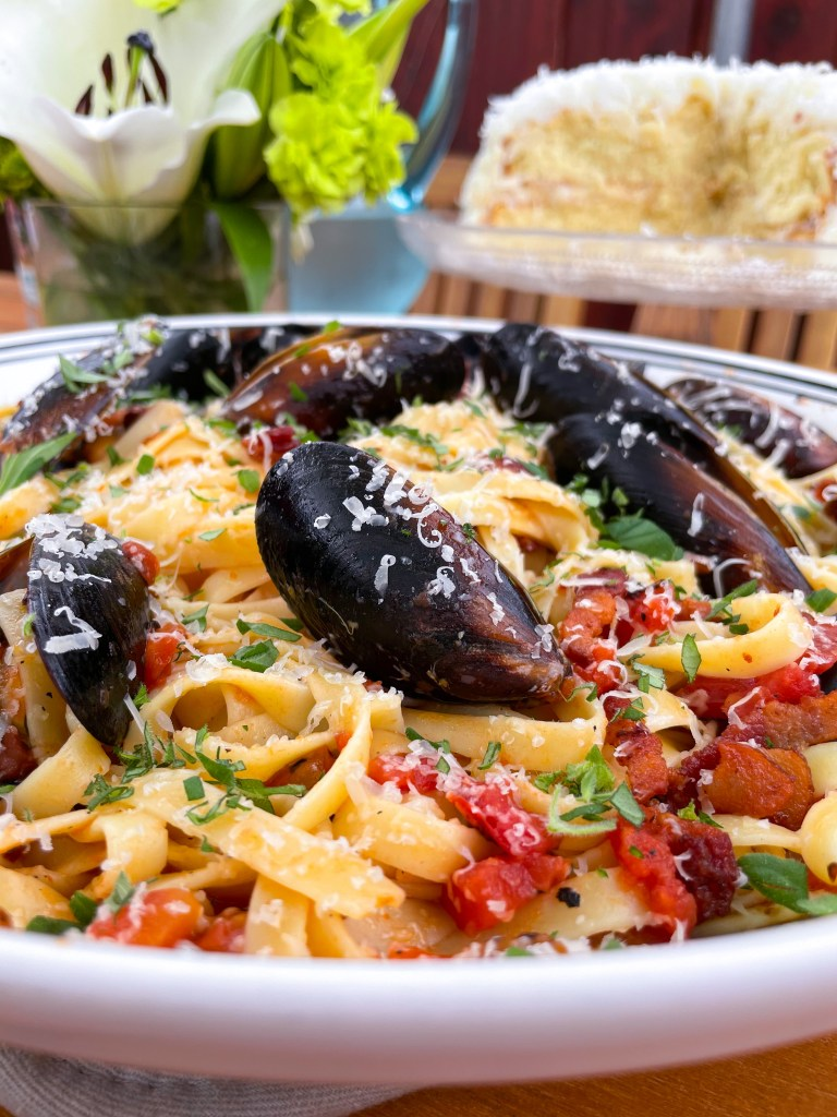 Fettuccine with Mussels and Bacon
