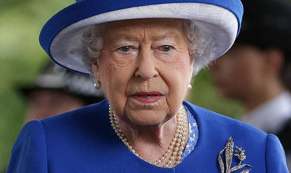 shocked queen elizabeth couldn t hide her deep emotions the royal uk. Black Bedroom Furniture Sets. Home Design Ideas