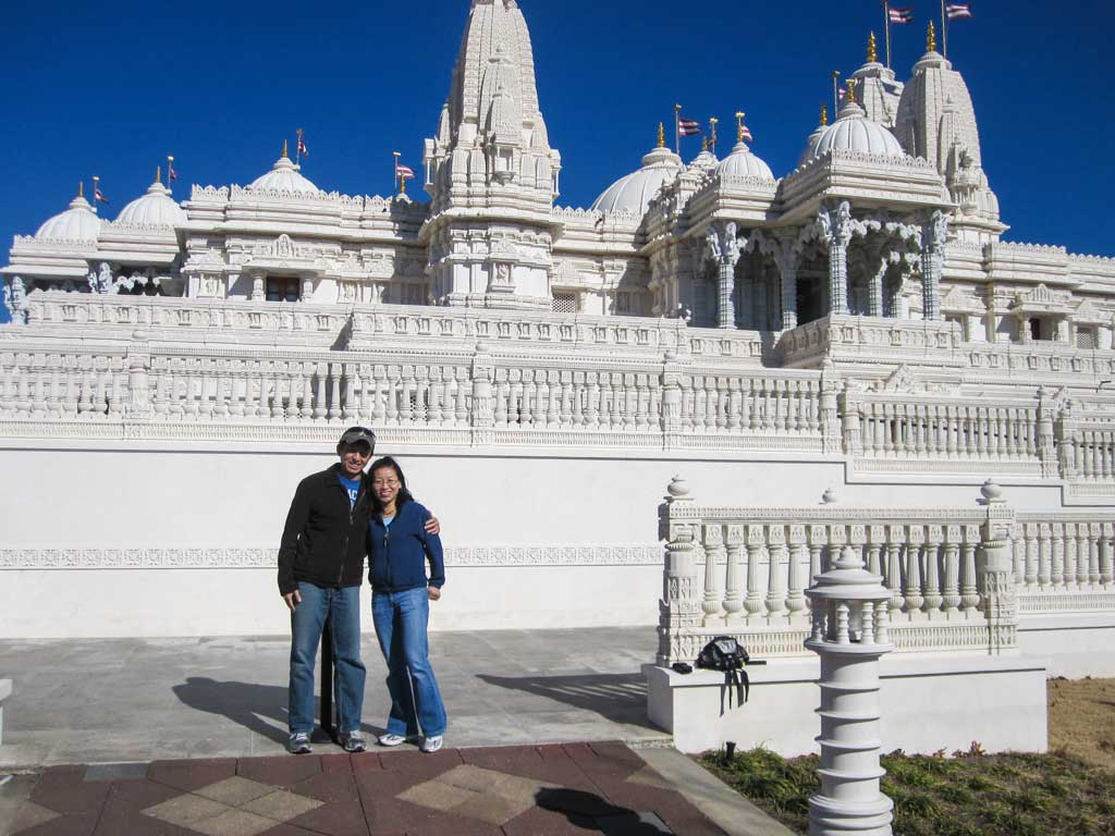 How to be a great Couchsurfing host - At BAPS Hindu Mandir outside of Atlanta