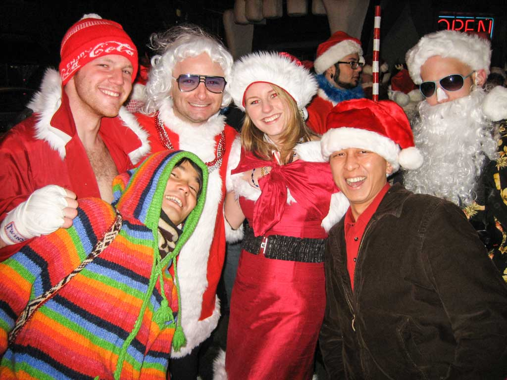 How to be a great Couchsurfing host - SantaCon