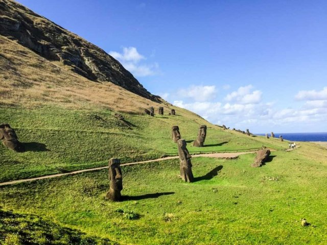 Highlights of Easter Island - Rano Raraku