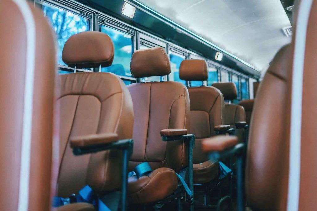 Reclining seats from Guatelama City to Antigua on El C.A. Express bus