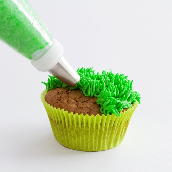 Football Cupcakes Grass Tip