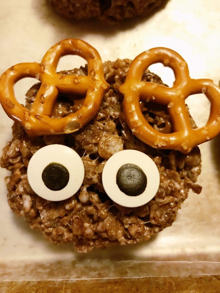 Rudolph Rice Krispie treats eyes