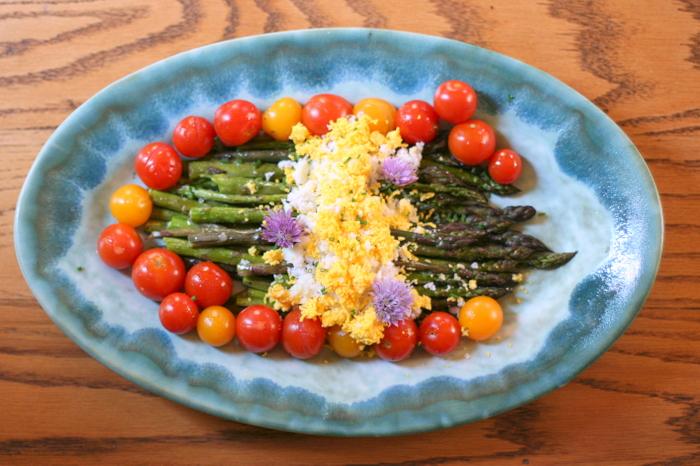 Roasted Asparagus Mimosa