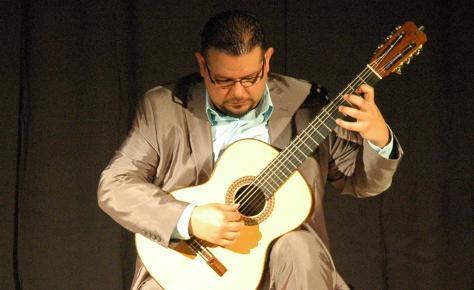 Guitarist delights audience