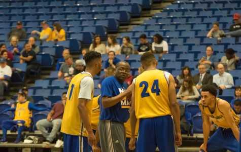 CSUB men's basketball holds open practice