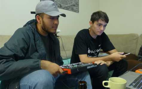 Klayton Marchant (right) and Rene Gonzalez (left) listen to music they just made. Picture taken by Cristian Macias on September 17, 2016.