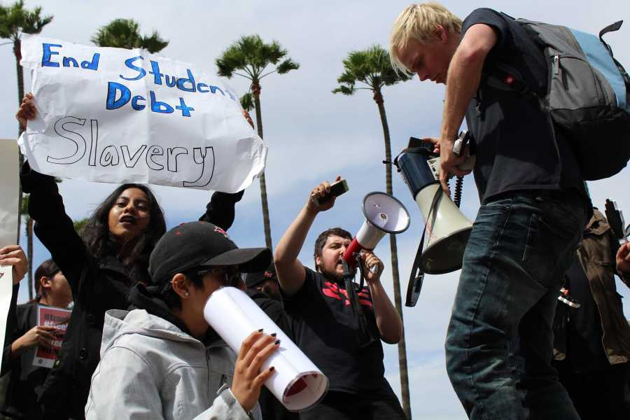 Student protesters chant outside the Office of the Chancellor in Long Beach, California on March 22, 2017.  Photo courtesy of Matthew Teel/The Daily 49er at CSU Long Beach.