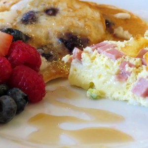 Omlet and pancakes