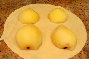 plae pears on the dough