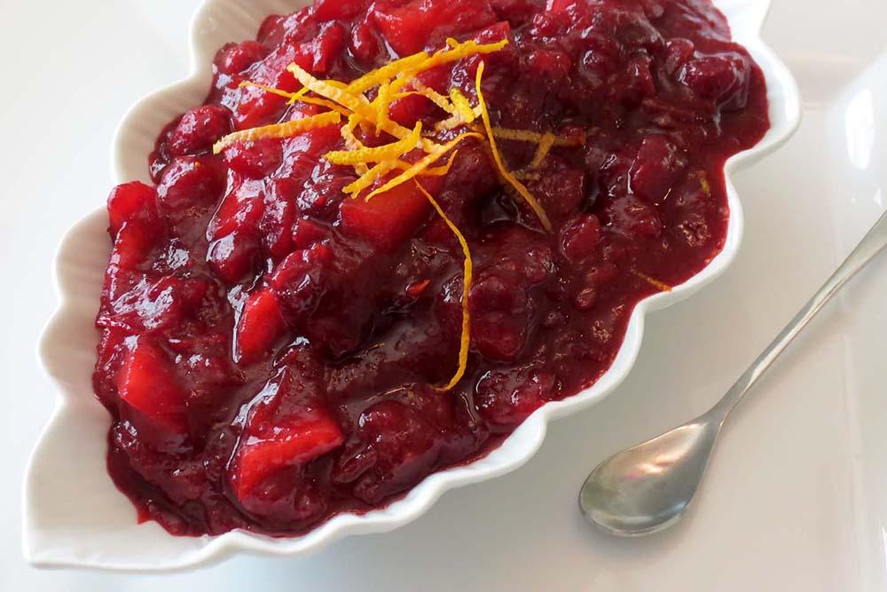 serving-cranberry-sauce