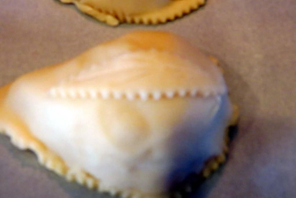 shape dough as pear