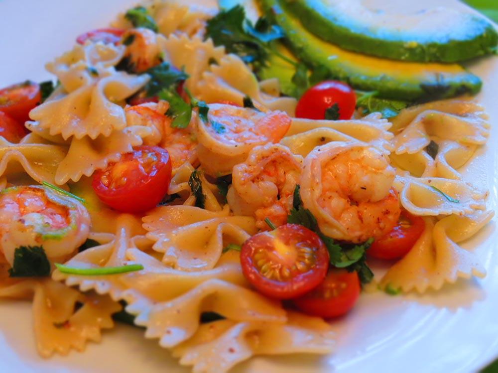 avocado-shrimp-pasta