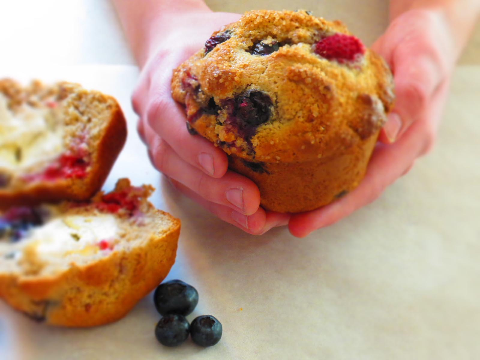 anastasia-holding-muffin