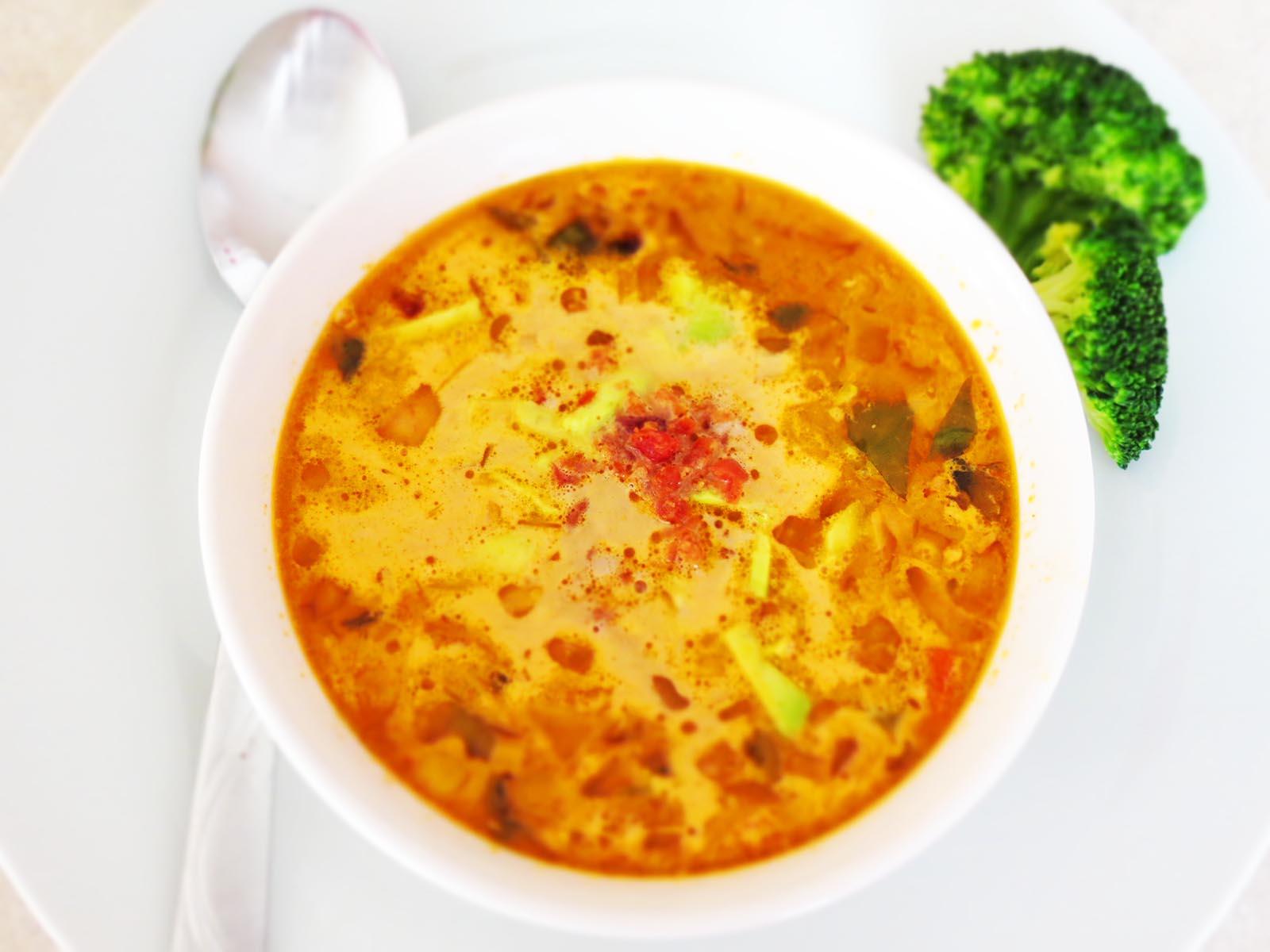 serving-corn-soup
