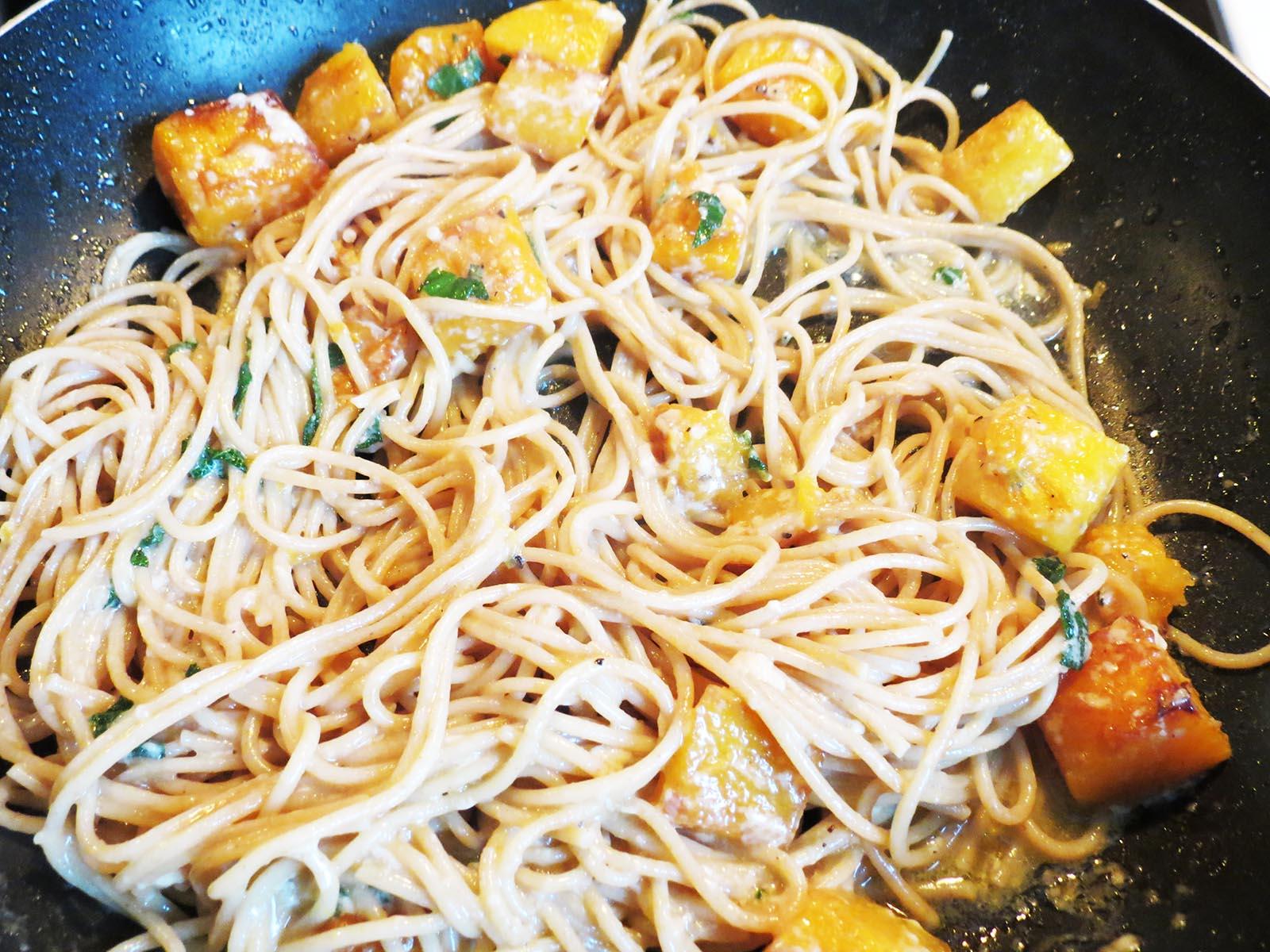 adding-pasta-to-squash