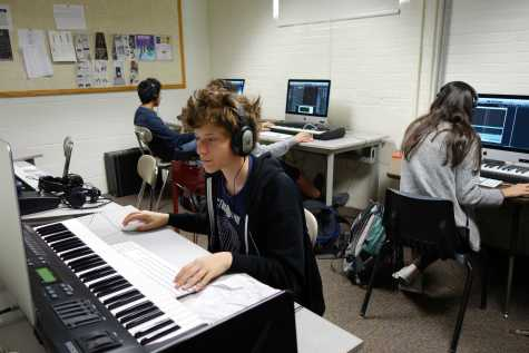 Music production class teaches versatility