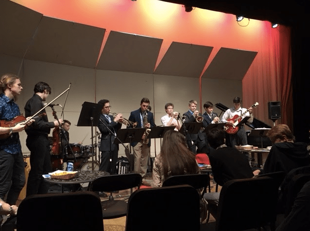 The+Music+Collective+performs+together+at+their+Spring+Concert.+The+cohesive+nature+of+the+band+allows+onstage+group+work+and+results+in+fantastic+jazz.+SOPHIA+REYNOSO%2FSAGAMORE+STAFF