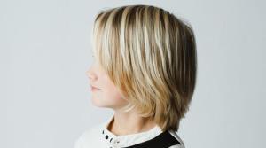 Frisuren für kleine Jungs - Surfer