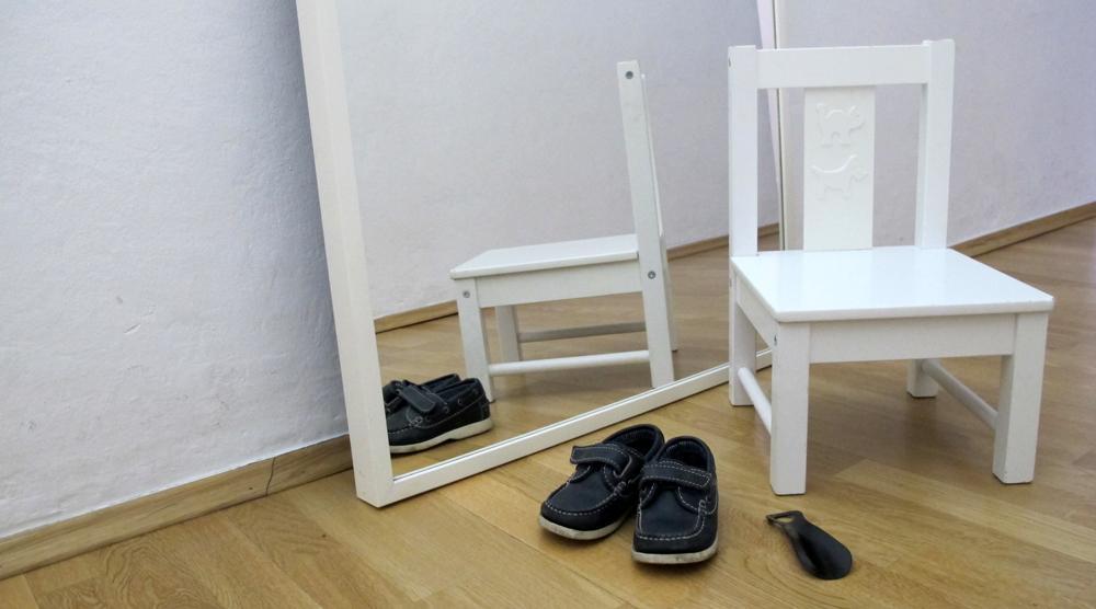 Stuhl Schuhe Kind Spiegel Schuhloeffel