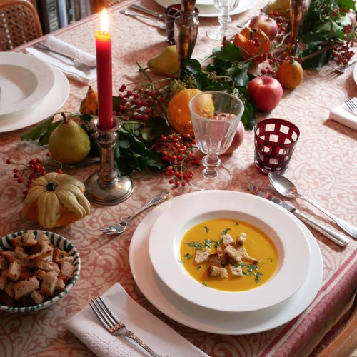 Pimp my Kürbissuppe – Rezept, Tischdekoration & Toppings