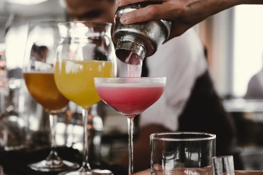 Extra points if you know your partners favourite cocktail //  Photo by Helena Yankovska on Unsplash